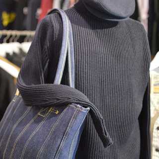 ASHOES&SUNS WORKS 巻き縫いデニムトートバッグ(ROLLED SEAM DENIM TOTE BAG)